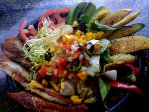 El Rey's Grilled Chicken Salad (w/ fish instead)